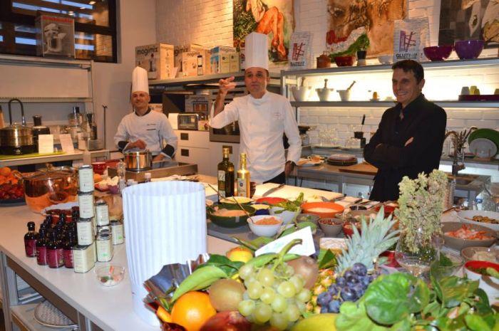 Pratmar milano corsi di cucina con gli chef scelti da pratmar milano attrezzatura per cucina - Corsi cucina milano cracco ...