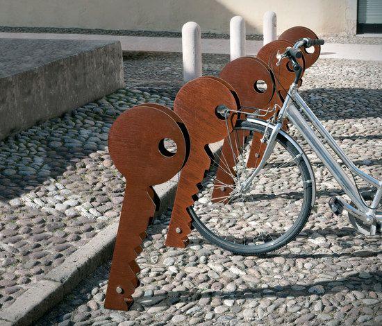 Metalco portabiciclette chiave complementi per esterni for Codal arredo urbano