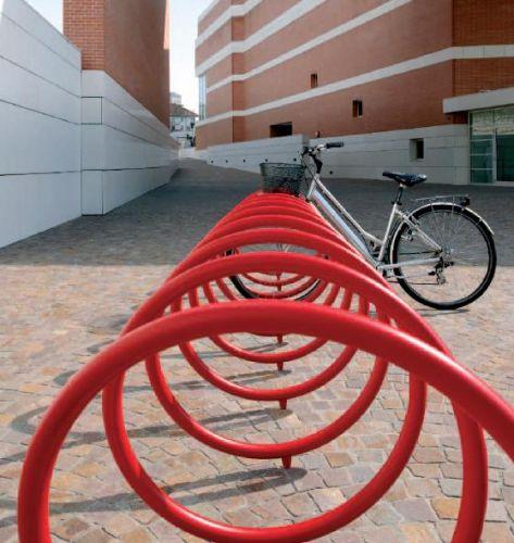 Metalco portabiciclette spyra arredi per esterni for Metalco arredo urbano